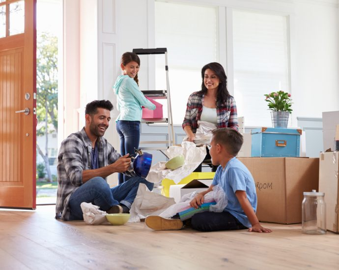 Using Self Storage While Moving